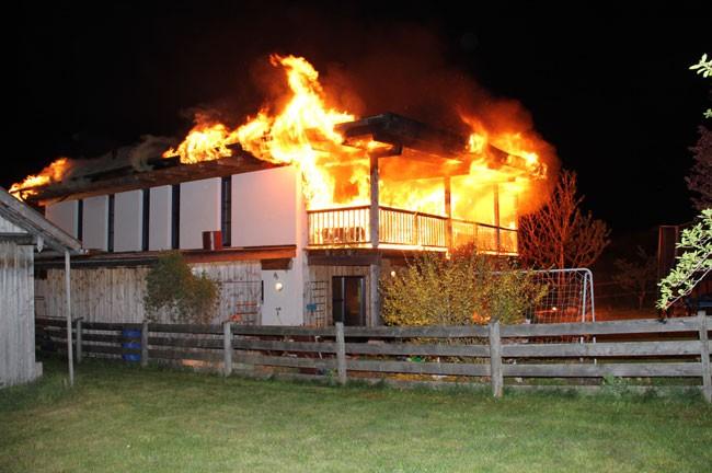 Gebäudebrand im Weiler Wald